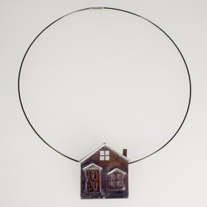 An image of the full necklace.